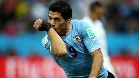 Luis Suarez a scapegoat, says Uruguay coach Oscar Tabarez