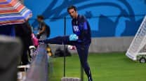 Italy lose goalkeeper Gianluigi Buffon for England clash