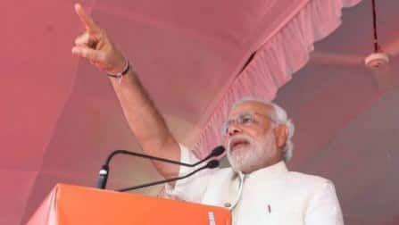 Narendra Modi accuses Congress of being clueless about India