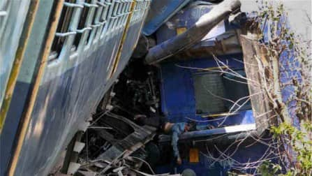 Maharashtra train derailment kills 18, leaves more than 60 injured